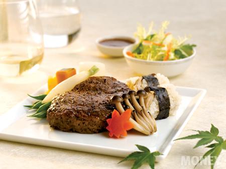 싱가포르항공의 고온에 구운 콩향 쇠고기.