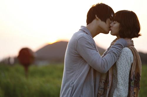 배우들의 무게감·조화 '브라보'