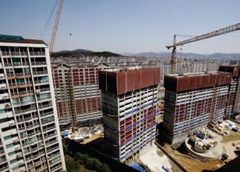 강남에서 이주한 다주택자들이 많은 특성 때문에 연말이면 급매물의 가격이 더욱 떨어질지 모른다.