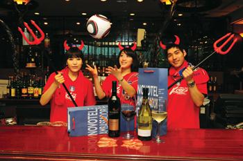 월드컵 마케팅이 활발한 가운데 특급 호텔들도 다양한 프로그램을 마련했다.