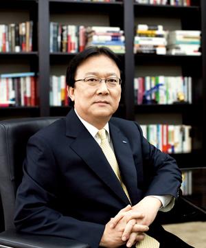 사장 취임 1년여 만에 부회장으로 승진한 삼성생명 박근희 부회장.