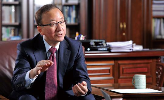 현오석 원장은 지난 4월 연임에 성공했다. KDI 개원 41년 만의 첫 연임 원장이다.