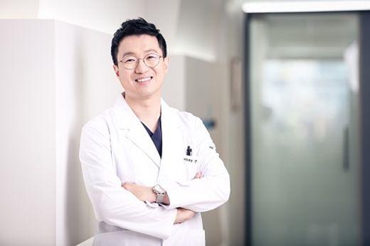 [2018 한국브랜드선호도1위] 서울매스티지치과, 1:1 환자 맞춤형 임플란트 치과