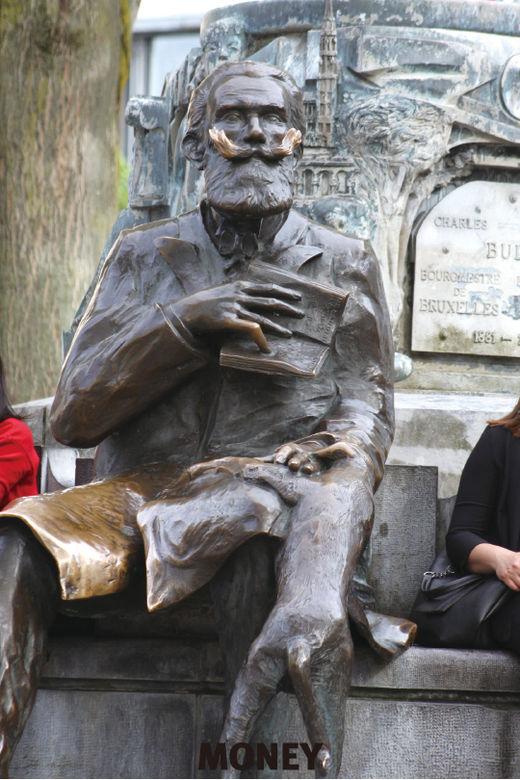 마그리트·피카소가 사랑한 아름다운 광장 '그랑 플라스'