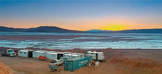 포스코가 최근 확보한 아르헨티나 옴브레 무에르토 염호. 20년간 매년 2만5000톤 가량의 리튬을 뽑아낼 수 있다.