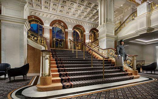 뉴욕 최고의 호텔, 뉴욕 팰리스에 묵어볼까