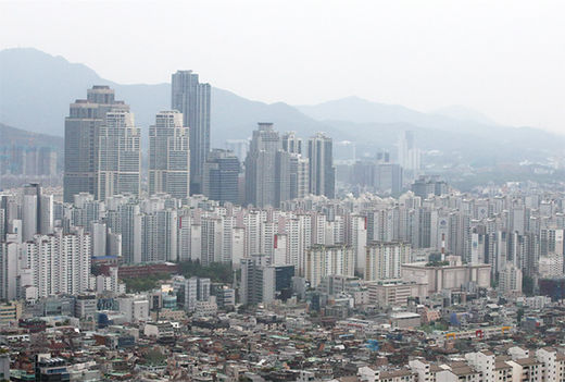 서울 아파트 값, 7개월여 만에 하락세 마침표