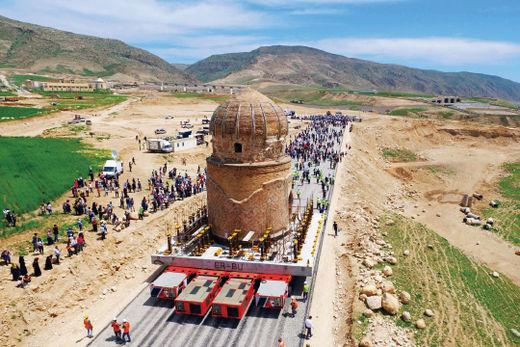 CJ대한통운의 자회사인 CJ ICM이 모듈 트랜스포터(SPMT)를 이용해 터키 고대 무덤