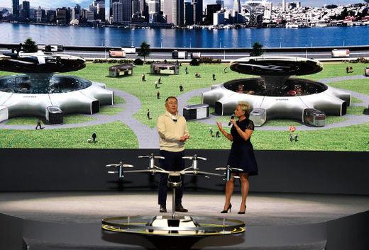 정의선 현대차 총괄수석부회장은 올해 초 열린 'CES 2020'에 참석해 현대차의 미래 모빌리티 구상에 대해 밝혔다.