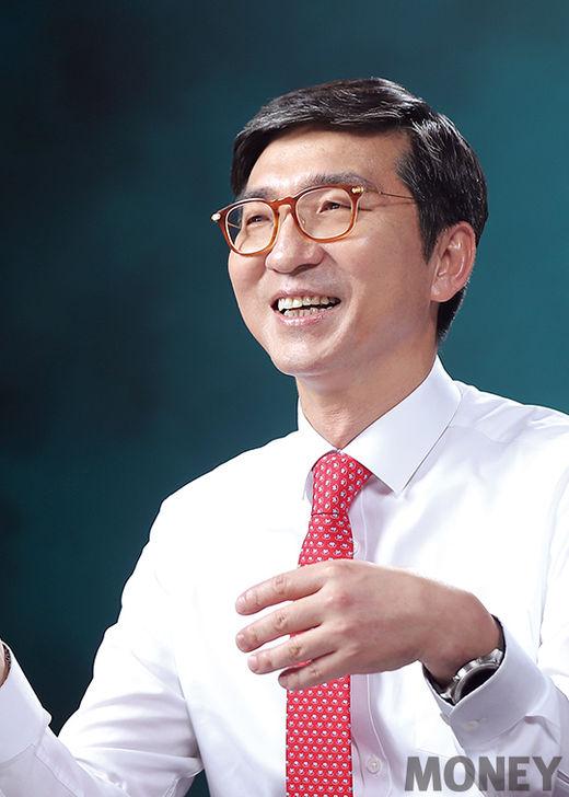 """신명혁 우리은행 자산관리그룹장 """"투자자 보호 최우선…새 시장 적극 개척"""""""