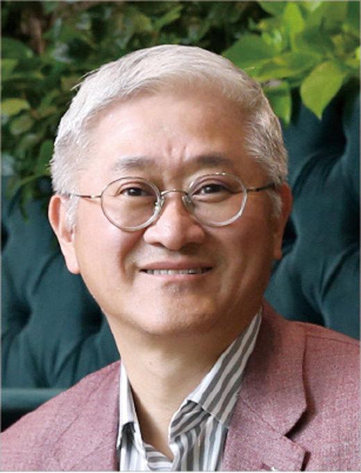 서경배 아모레퍼시픽그룹 회장, '플라워 버킷 챌린지' 캠페인 동참