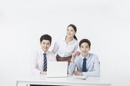 [2020 한국소비자만족지수 1위] 개인회생자대출 브랜드, 머니홀릭