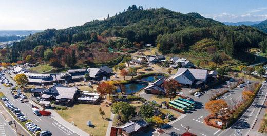 연간 190만 명이 방문하는 관광 명소로 급부상한 일본의 휴게소 '덴엔플라자카와바'의 전경.(/덴엔플라자카와바 홈페이지)