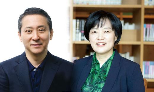 권영수 LG 부회장(왼쪽)과 한성숙 네이버 사장. /한국경제신문