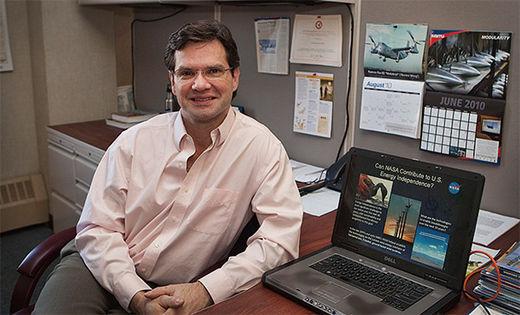마크 무어 우버 엘리베이트 기술 총괄의 NASA 시절 모습.