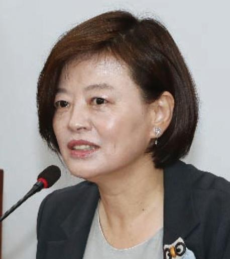 진선미 위원장