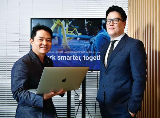 이경전 교수(왼쪽)과 음병찬 엘리먼트AI 한국지사장.이승재 기자