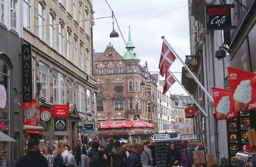 덴마크는 국민 모두를 위한 사회주택 제도를 시행 중에 있다. 덴마크 코펜하겐 도심의 모습.