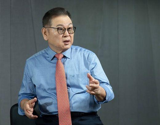 권홍사 반도건설 회장, 창사 50돌 맞아 명예로운 퇴임