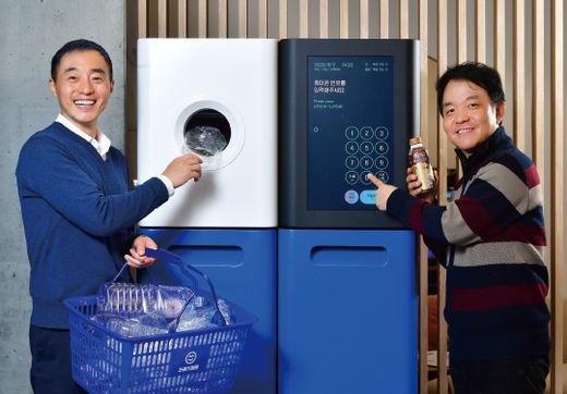 김정빈(왼쪽) 대표와 이경전 교수. 이승재 기자