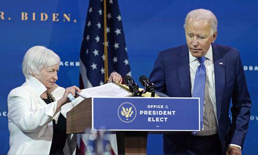 조 바이든(오른쪽) 미국 대통령 당선인은 12월 1일(현지 시간) 델라웨어 주 윌밍턴에서 행정부 경제팀을 소개했다. 재닛 옐런 전 중앙은행(Fed) 의장이 재무장관에 지명됐다.AP연합뉴스