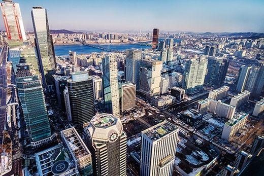 (사진) 서울 영등포구 전경련 빌딩 옥상에서 바라본 여의도 증권가. /이승재 기자