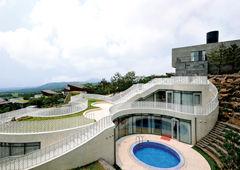 [Hot Property] 제주 앞바다를 품에 안은 1%를 위한 명품 빌라