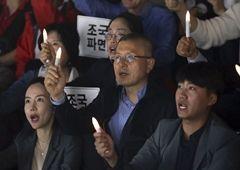 """장외 · 정책 투쟁 고삐 바짝 죄는 황교안 … 與일각 """"조국 덫에 걸리나"""""""