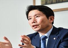 """이인영 """"조국 전 장관 총선 출마, 과연 여권에 도움될지 … """""""