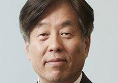 [100대 CEO] 동현수 두산 부회장, '협동 로봇·수소연료 드론' 미래 먹거리로 키운다