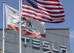 테슬라가 선보인 '온라인 자동차 판매', 코로나19에 가속 붙었다