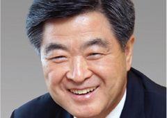 [100대 CEO] 권오갑 현대중공업지주 회장, 조선업 패러다임 대전환기…스마트 중공업 선도