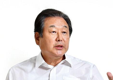 """김무성 """"문재인 정권은 사회주의 ... 소득주도성장, 태어나선 안될 괴물"""""""